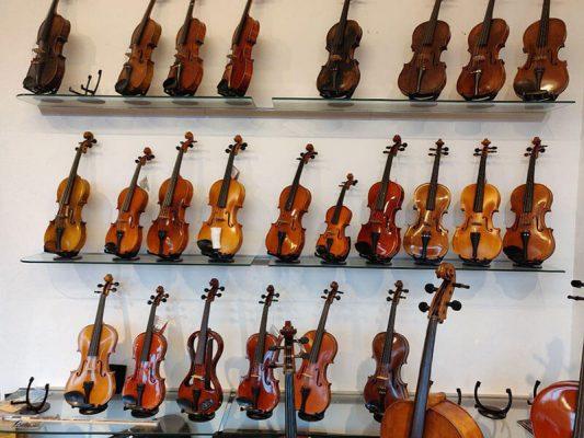 Musikgeschäft Geigen